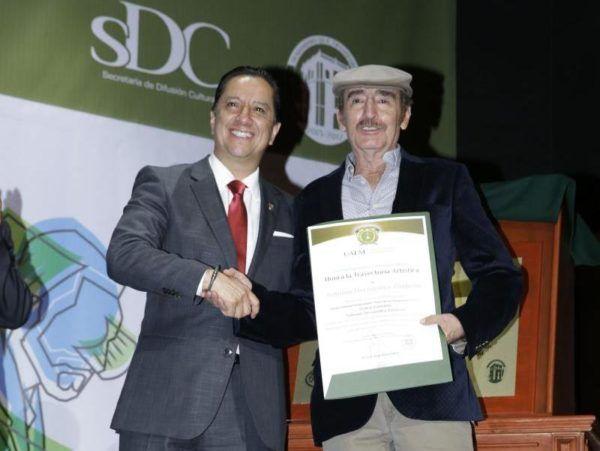 INAUGURA JORGE OLVERA TEATRO ISABELINO