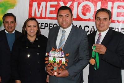 ZINA SE SUMA A MARATON MEXIQUENSE