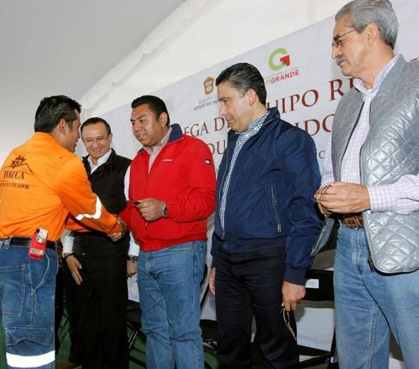 BRAULIO ALVAREZ ENTREGA CAMIONES RECOLECTORES