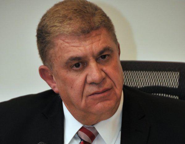 JOSE MANZUR ESCRITORIO