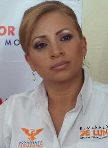 ESMERALDA DE LUNA ENTRADA A LOS HOGARES R
