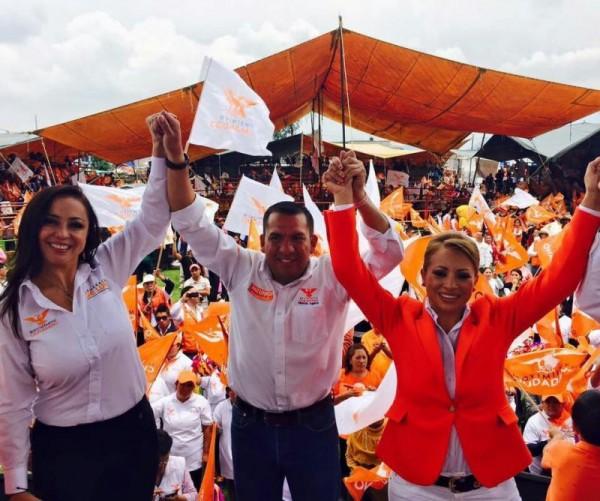 MAURICIO Y ESMERALDA CIERRE DE CAMPANA