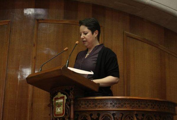 ADRIANA HINOJOSA EN TRIBUNA LIBERTAD DE CULTO