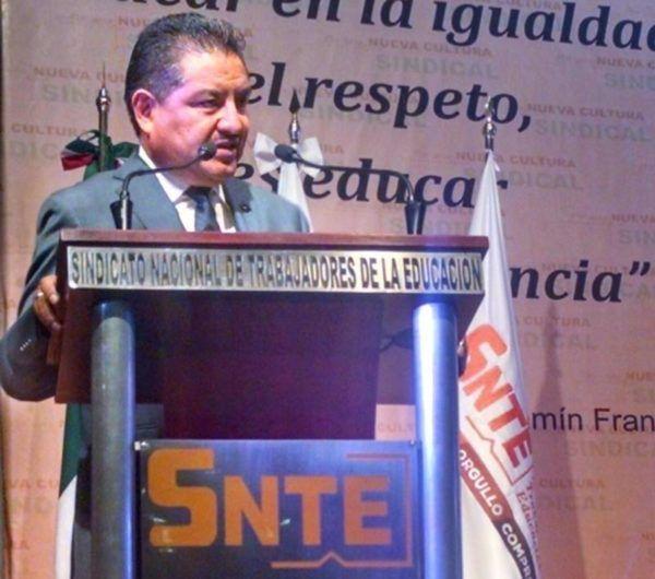 GUSTAVO MICHUA MAESTROS CANDIDATOS RECORTADO