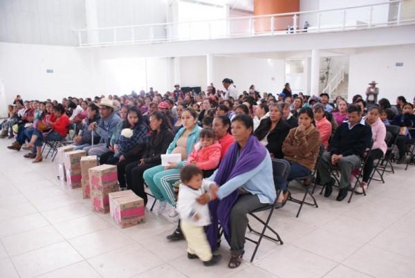 ENTREGA DE CANASTAS MEXIQUENSES EN ALMOLOYA