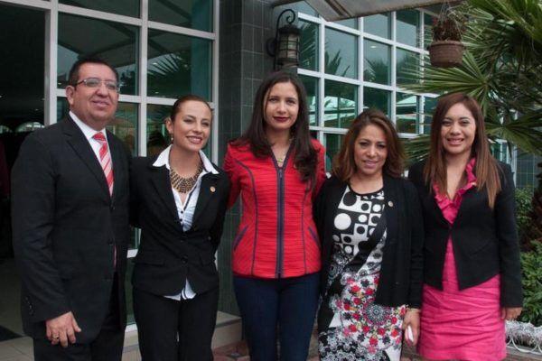 CARLA DOMINGUEZ
