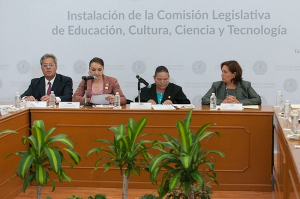 INSTALACION DE COMISION DE EDUCACION