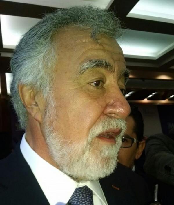 ALEJANDRO ENCINAS COMPARA INFORME DE ERUVIEL R