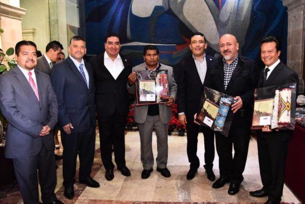 FOMENTARAN VENTA DE ARTESANIAS MEXIQUENSES