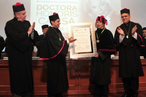 HONORIS CAUSA A LA MINISTRO OLGA SANCHEZ CORDERO