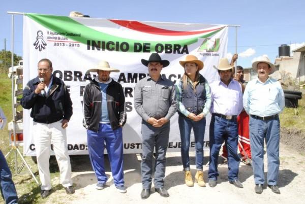 ILUMINAN COMUNIDADES DE ALMOLOYA DE JUAREZ