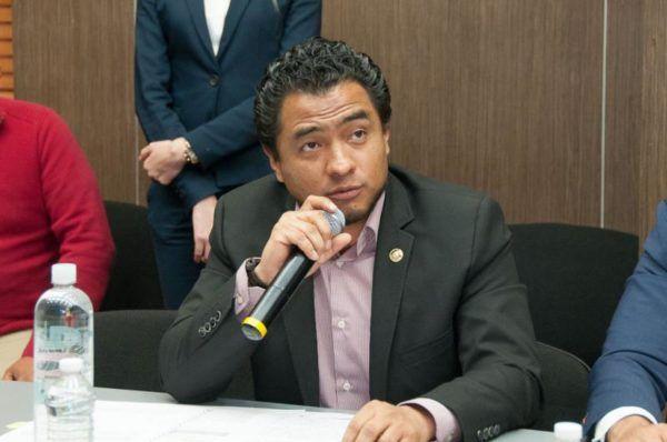 VLADIMIR HERNANDEZ VILLEGAS EN COMISIONES