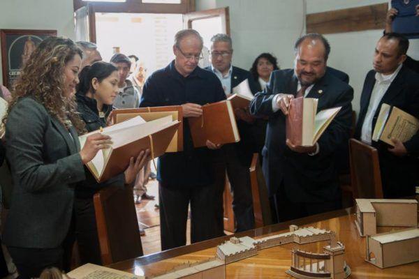 COINCIDEN EN AMPLIAR DIFUSION DE SERVICIOS BIBLIOTECARIOS