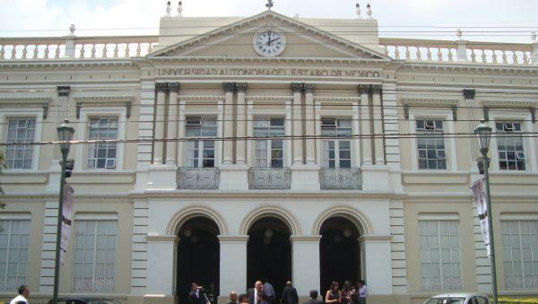 El rector Jorge Olvera García instruyó la atención inmediata de cada una de las peticiones y denuncias presentadas por la comunidad de Prepa 3; adelantó que no se permitirán abusos e irregularidades en los espacios universitarios.