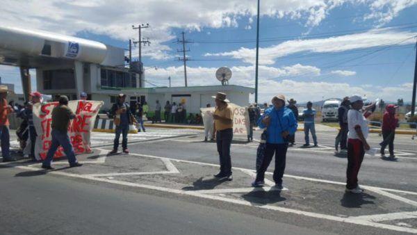 MANIFESTANTES EN LA TOLUCA-ATLACOMULCO