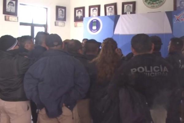 PARAN LABORES POLICIAS DE XONACATLAN