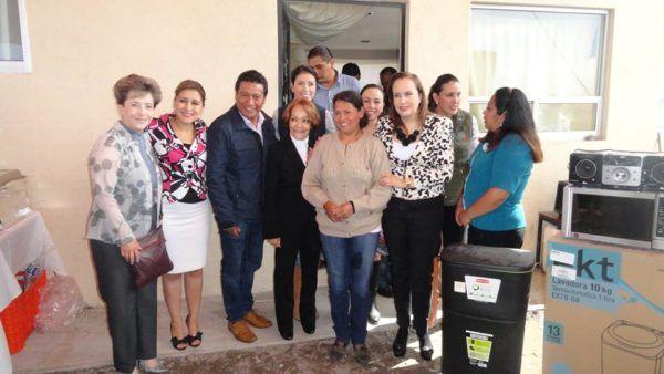 ENTREGAN CASA A FAMILIA DE SAN MATIAS TRANSFIGURACION