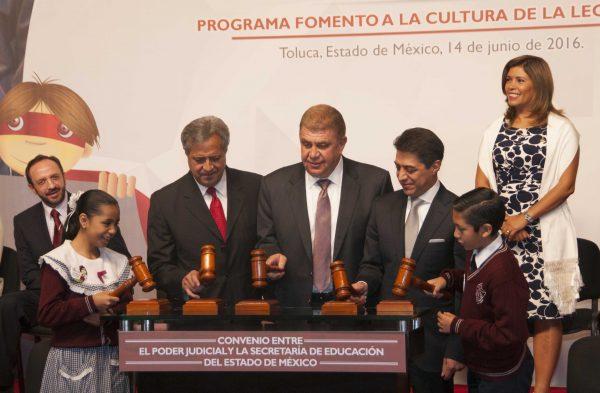 Se firmó un Convenio de Colaboración con la Secretaría de Educación para trabajar con alumnos y docentes de 15 primarias del Valle de Toluca.