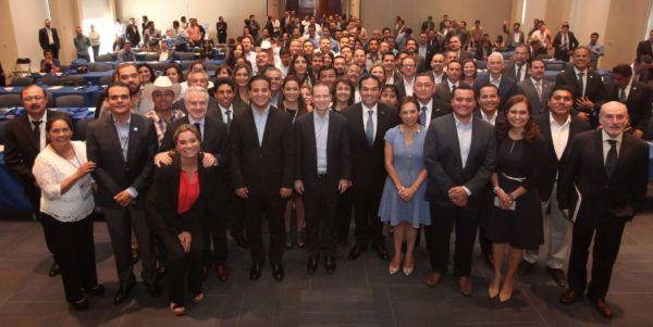 Ricardo Anaya y Enrique Vargas se reunieron con los alcaldes que ganaron las votaciones en las pasadas elecciones