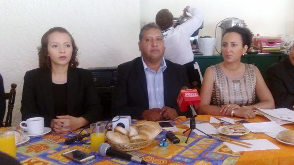 """""""En el Partido de la Revolución Democrática, estamos listos para invitar también a los partidos del PT, a Morena, a Movimiento Ciudadano, incluso al Partido Acción Nacional, a que hagamos un gran frente común, un frente que podamos derrocar al PRI en el Estado de México, ya es tiempo de ir tendiendo estos puentes""""."""