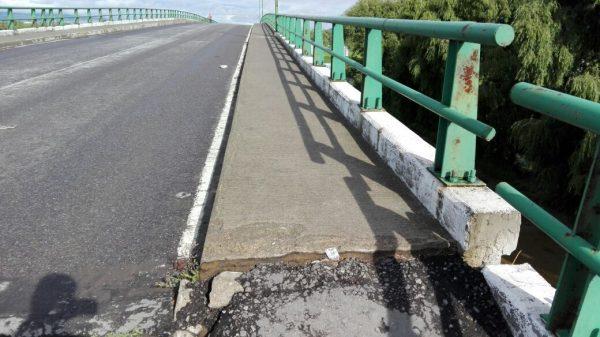 """""""... Respecto al puente considero que fue mal planeado, nada más consideran objetivos particulares y no objetivos en beneficio de la comunidad…"""" dijo, Ariel """"N"""", vecino de Lerma."""