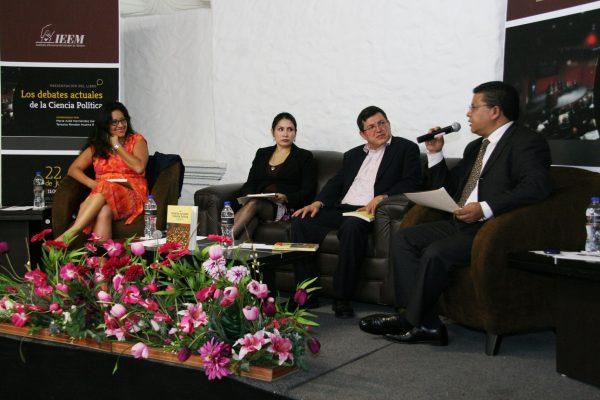 Contiene las conferencias magistrales impartidas por Leonardo Morlino, Manuel Alcántara, Dieter Nohlen, Ludolfo Paramio, Gianfranco Pasquino, Philippe Schmitter, Lucy Taylor y Timothy Power, durante el Primer Congreso Internacional de Ciencia Política en México, que tuvo lugar en Guanajuato en 2013.