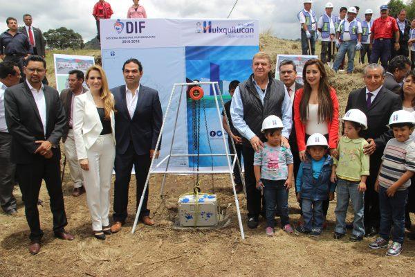 José Manzur y Enrique Vargas pusieron la primera piedra de éste Centro de Rehabilitación