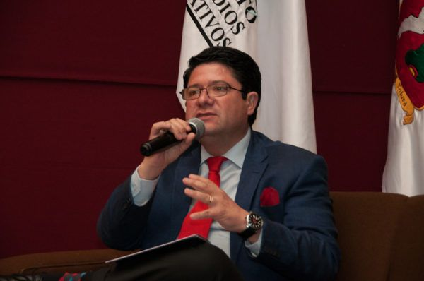 """Presentaron en el Inesle el libro """"La ética pública frente a la corrupción. Instrumentos éticos de aplicación práctica"""""""