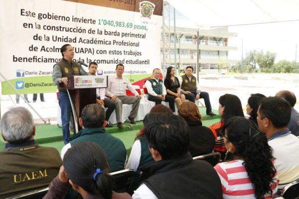 """""""Hay que darles lo que necesitan y requieren, escuelas de calidad, como la UAEM, reconocida como la tercera mejor institución de educación superior de México y entre las mejores 35 de América Latina""""."""