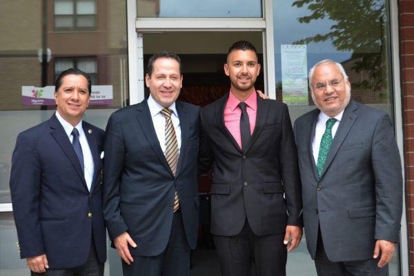 El gobernador Eruviel Ávila Villegas y el rector Jorge Olvera García inauguraron en la ciudad de Chicago, Illinois, Estados Unidos, la Biblioteca Digital y el Bachillerato a Distancia para Migrantes.