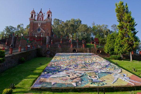 Metepec, Mex.- Iglesia y escalinata del calvario