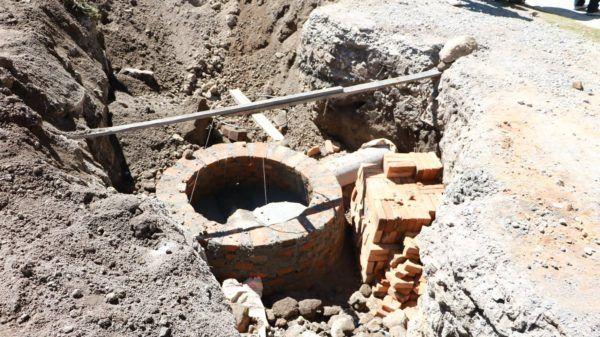 Con drenaje sanitario y pavimentación se favorecen las comunidades de Col. Zimbrones, San Antonio Acahualco y San Luis Mextepec.