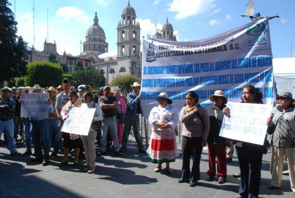 Mazahuas exigen a diputados recursos para concluir obras de agua potable en zonas indígenas