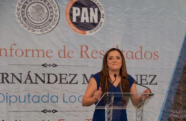 La diputada del PAN destacó la aprobación unánime de su iniciativa para crear las comisiones de Atención a la Violencia en Contra de las Mujeres en los 125 ayuntamientos.