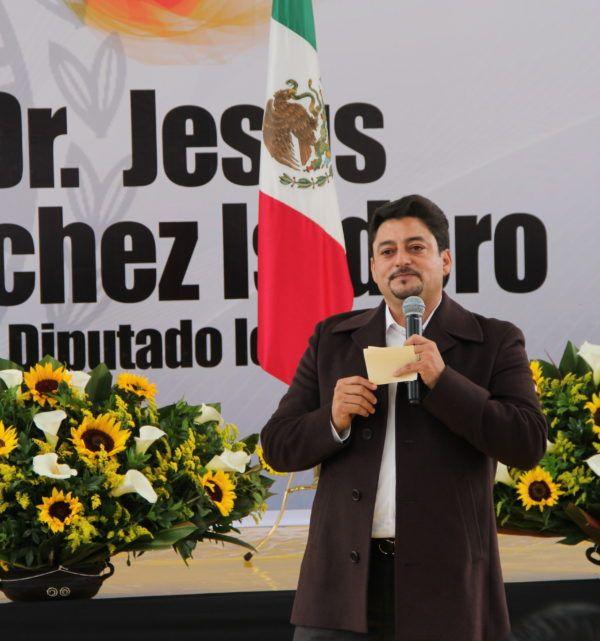 A través de un recorrido por sus actividades legislativas y gestión social, el diputado perredista pacto por un trabajo en la vía de la legalidad y como voz de la ciudadanía.