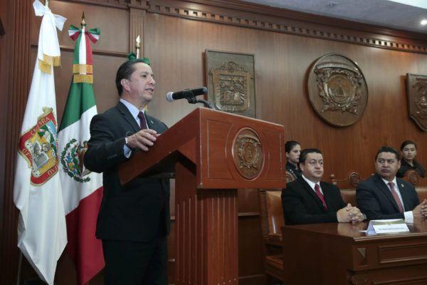 Lo anterior, como resultado de los convenios General y Específico firmados por el rector de la Máxima Casa de Estudios mexiquense, Jorge Olvera García, y el secretario general del Sindicato, Abraham Saroné Campos.