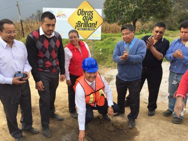 Pavimentará la calle 2 de Noviembre de San Miguel Almaya, la cual fue una promesa de campaña